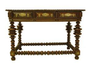 Mesa de Despacho de nogal y palisandro. Portugal. S. XVIII