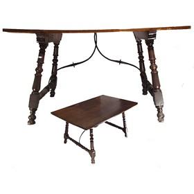 Bufete Mallorquín en madera de nogal. S. XVIII