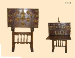 Bargueño Renacentista de madera de nogal. S. XVI.