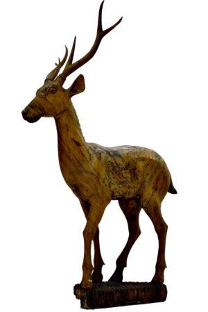 """""""Alegoría a la Naturaleza"""" Ciervo de madera tallada en una sola pieza. S. XIX"""
