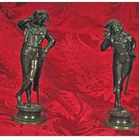 Pareja Figuritas de Bronce: Dos Soldados Palaciegos. Francia, 1830. Fdo.: E. Guillemin
