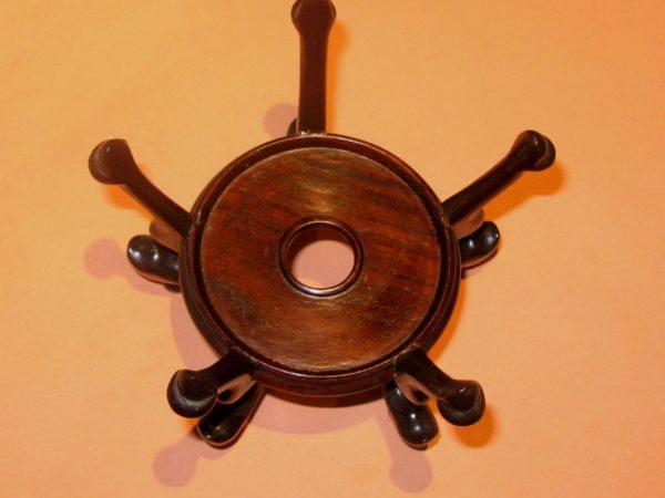 Jarrón de cerámica Dinastía Kang - Hsi. China, S. XVII. Firmado.