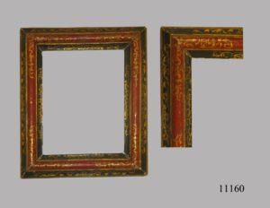 Espejo con marco policromado, verde, rojo y dorado. S. XVII