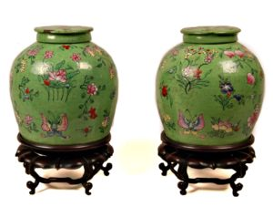 Pareja Tibores de cerámica. China, S. XVIII