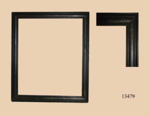 Marco negro con bordes dorados. S. XVII