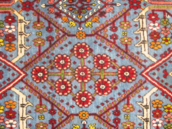 Alfombra Tabriz Antigua. Medidas: 161 X 115 cm.