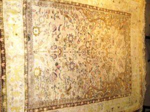 Alfombra hereke Antigua. Medidas: 176 x 120 cm
